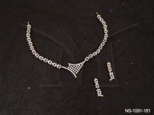 Ad Jewellery , Checkbox Triangular Ad Necklace Set | Manek Ratna