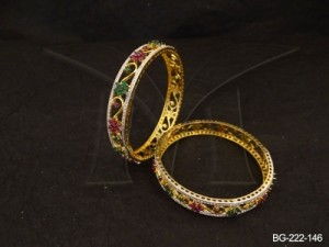 Ad Jewellery , Curvy Stemped Flower Ad Bangles | Manek Ratna