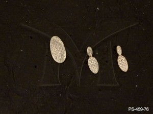 Ad Jewellery , Oval Designed Simple Ad Pendant Set | Manek Ratna