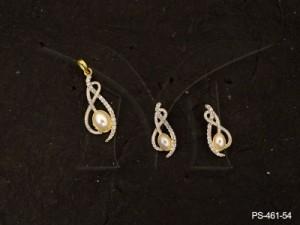 Ad Jewellery , Twisted Curled Oval Moti Ad Pendant Set | Manek Ratna