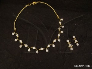 Ad Jewellery , In Curved Flowery Designed Ad Necklace Set | Manek Ratna