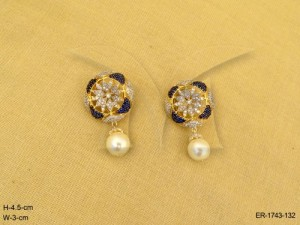 Ad Jewellery , Round Soft Edged Flower Style Ad Earrings | Manek Ratna