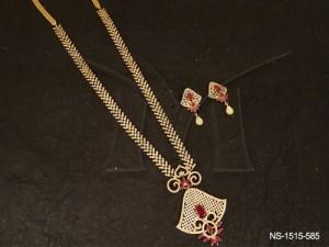 Ad Jewellery , Curve Based Triangular Pendant Ad Necklace Set | Manek Ratna