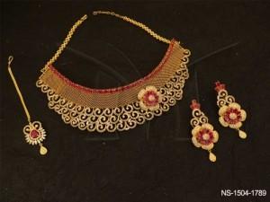 Ad Jewellery , Spiral Chand Shape Side Flower Ad Necklace Set | Manek Ratna