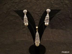 Ad Jewellery , Spring Moti Triangular Ad Pendant Set | Manek Ratna