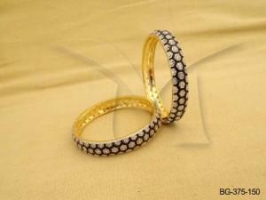 Ad Jewellery , Texture Of Rhombus Style Ad Bangles | Manek Ratna