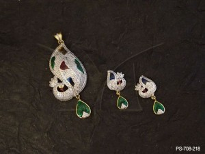 Morni Winged Down Faced Ad Jewellery Pendant Set by Manek Ratna