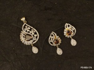 Ad Jewellery with Simple Gold Pendant Set Designs Gemstone  Ad Pendant Sets  | Manek Ratna