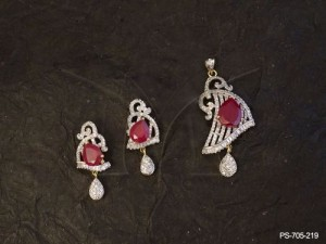 Ad Jewellery with Triangular Style Parallel Lined Ad Pendant Set by Manek Ratna